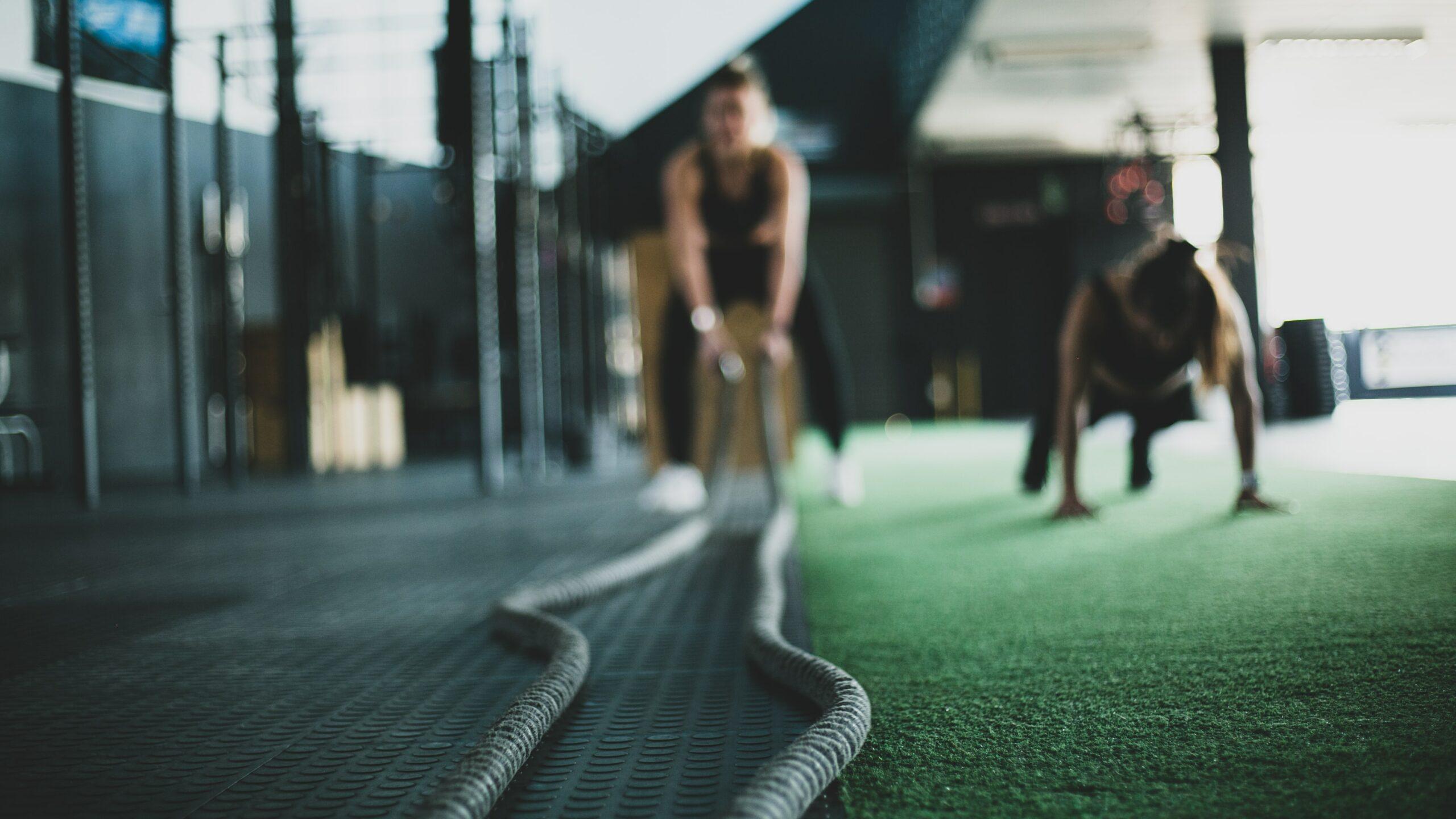 Des séances visant à développer et améliorer vos fonctions cardio-vasculaires. L'enchaînement des exercices vous permettra également de solliciter l'ensemble de vos muscles en fonction du thème de la séance.